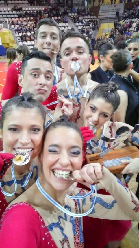 Ourela_show_medallas